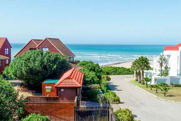 1/20 - Jeffreys Bay Bed & Breakfast Accommodation