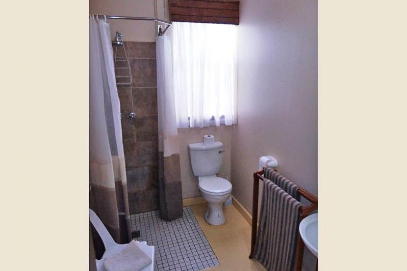 Ensuite bathroom, The Other Corner