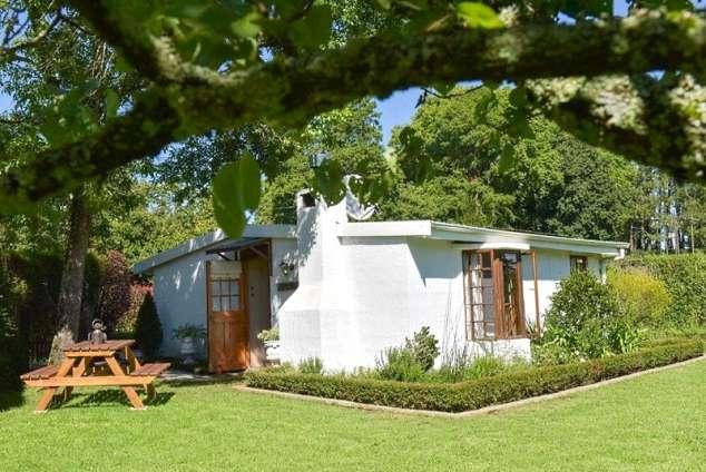 1/14 - Devonshire Cottage exterior and garden
