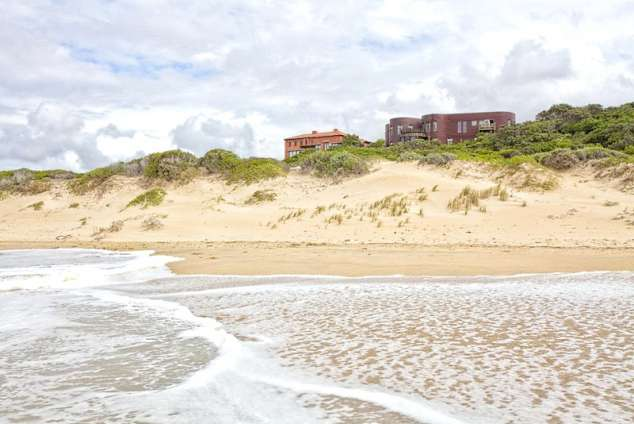 1/24 - Jeffreys Bay Guest House Accommodation