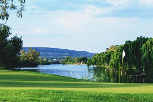 1/10 - House overlooks golf course and is 600m from the Vaal River