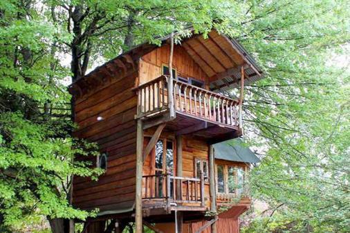 1/18 - Romantic Treehouse