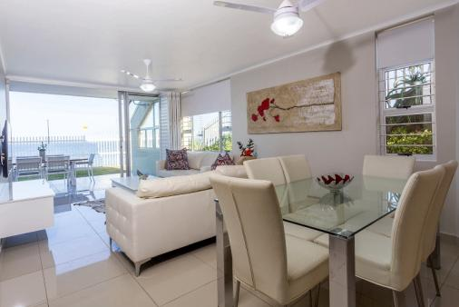1/24 - 3 Driftwood is a modern 3 bedroom beachfront apartment with all the neccessities you will need.
