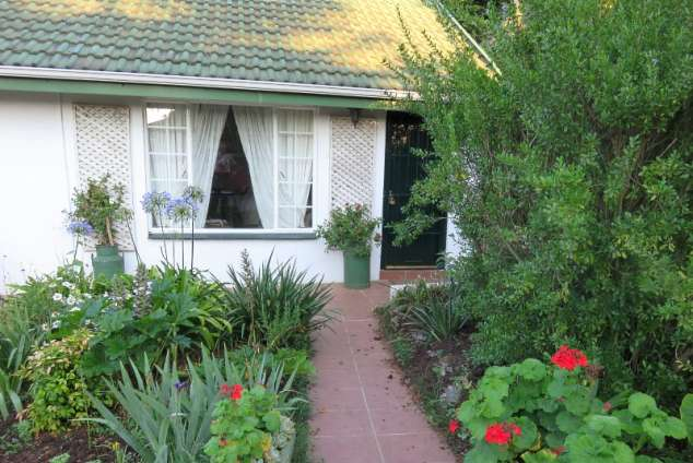 1/22 - Devonshire Lodge - Howick Self Catering Cottage Accommodation