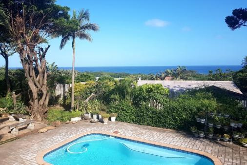 1/17 - Peaceful and beautiful..!. Come relax with a cool pool and sea views !