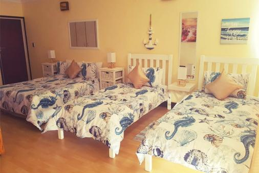 1/6 - room with double bed and 2 single beds