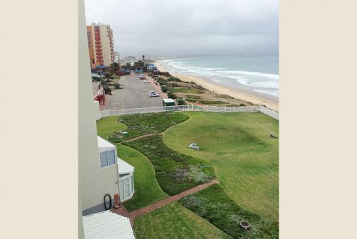 1/10 - View at main beach at Dias
