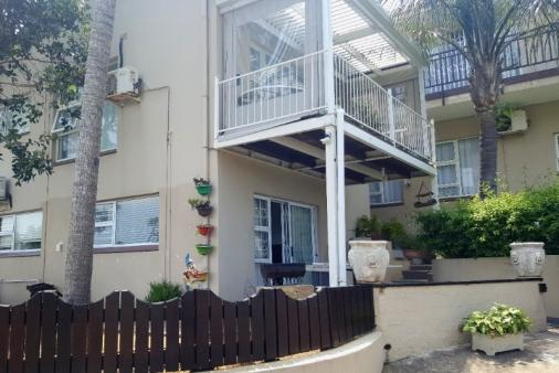 1/28 - Flat 1 - Zinkwazi Beach Room Only / Limited Self Catering Accommodation
