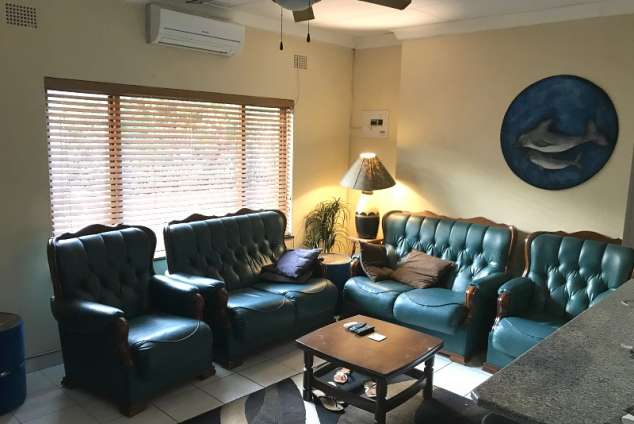 1/12 - Uvongo Self Catering Apartment Accommodation