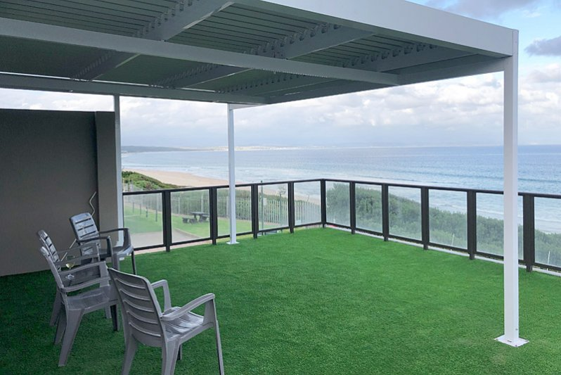 Spacious deck with 180 degree ocean view