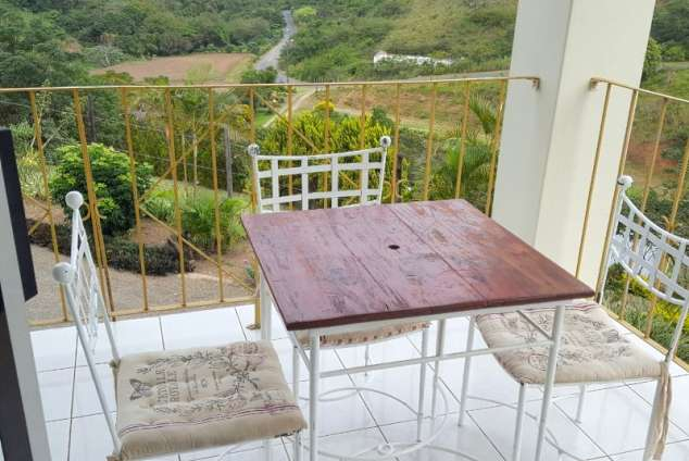 1/10 - Port Shepstone Self Catering Rooms With Communal Kitchen