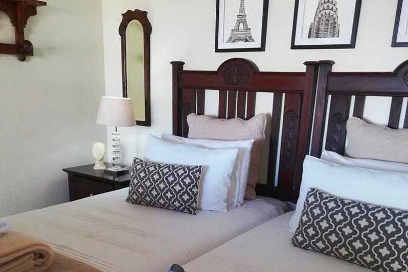 Twin beds together - Beach Unit